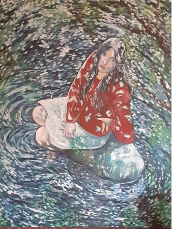 Muchacha sobre la roca en el rio.